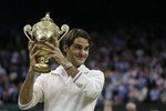 Federer Defeats Murray in Wimbledon