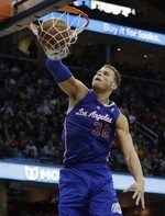 Blake Griffin's Big Two-Handed Fini