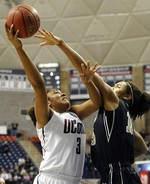 UConn Women Destroy Idaho
