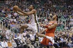 Jazz Team Effort Sinks 76ers