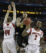 Jump-Ball Call Mars Louisville-Wich