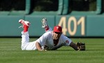 Ben Revere Lays Out for Incredible