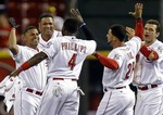 Izturis Hits Walk-Off Single in 13t