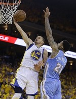 Steph Curry Battles to Lift Warrior
