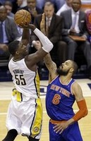 Hibbert Lifts Pacers past Knicks