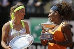 Serena Continues to Roll, Wins Ital