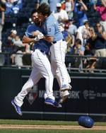 Hosmer Hits Walk-Off Single for Kan