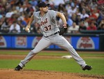 Scherzer Wins 17th, Tigers Streak H