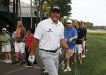 Mickelson Nails 74-Footer for Birdi