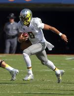 Mariota Leads Oregon Against Haples