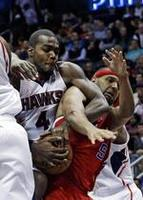 Millsap Leads Hawks Past Clippers