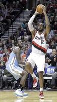 Aldridge Leads Blazers With 44