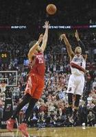 Lillard Hits Game- and Series-Winne