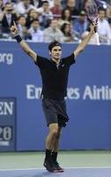 Federer Stuns Monfils With Comeback