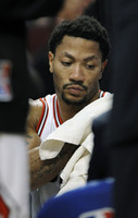 Derrick Rose Hurt in Bulls Win Over