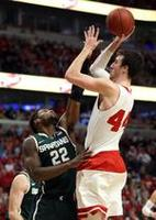 Badgers Shut Out Spartans in OT, Wi