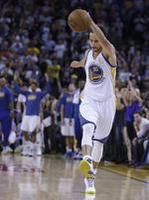 Curry Scores 45, Breaks Own 3s Reco